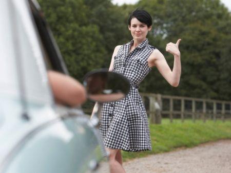 autostop - žena zastavila vodiča