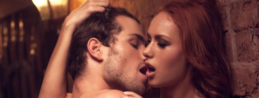 bozkávajúci sa milenci