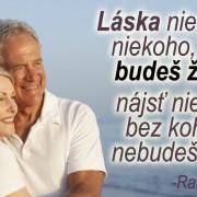 zamilovaný starší pár