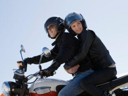 dvojica na motorke