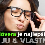 sebadôvera - sebavedomá žena s okuliarmi