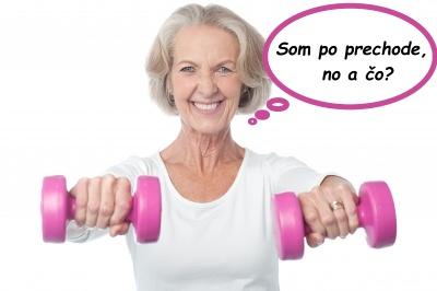 staršia dáma cvičí s činkami