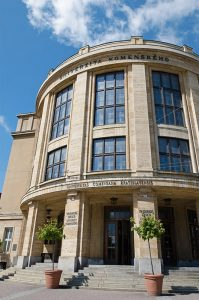Univerzita Komenského na Šafárikovom námestí